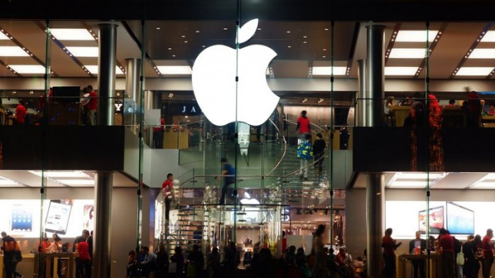 With iPhone 8 release looming, Apple may become the world's first trillion-dollar company