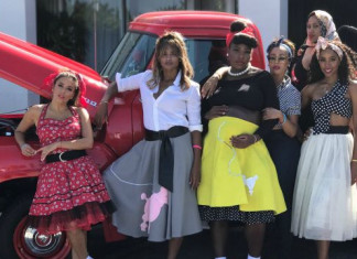 Serena Williams celebrates '50s-themed baby shower