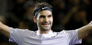 Federer closes in on world number one ranking