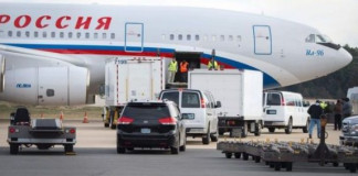 Expelled Russian diplomats leave UK