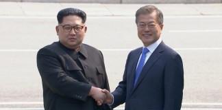 Moon, Kim begin historic Korean summit