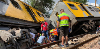 3 killed, hundreds injured in train collision