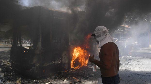 Venezuela Crisis: Defiant Maduro Claims Victory over Guaidó Coup