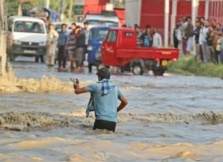 No Fewer Than 24 People Swept Away by Flash Flood in Kashmir