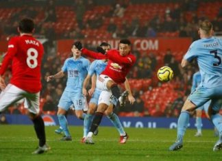 Manchester United Fall To Burnley As Fans Turn On Club's U.S. Owners