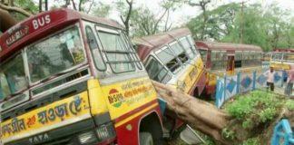 Kolkata Devastated As Cyclone Kills Scores In India, Bangladesh