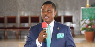 Obiano, Wealthy Individuals Boost Nnewi Community With 2,300 Bags Of Rice
