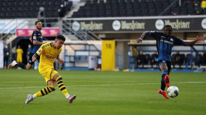 Sancho Hat-trick Keeps Borussia Dortmund In Title Hunt