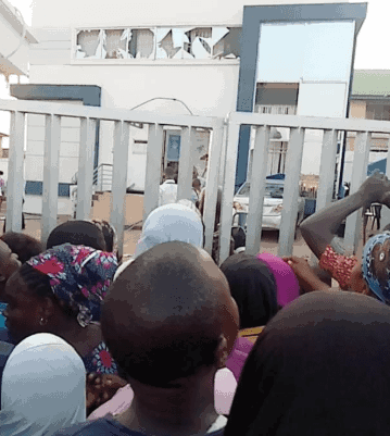Three Armed Robbers Burnt Alive In Failed Bank Robbery In Oyo