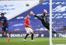 Chelsea pounce on De Gea errors to set up all-London FA Cup final