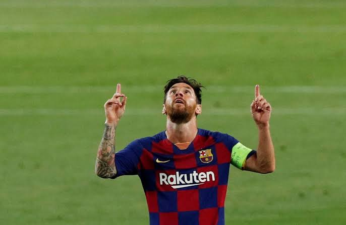 Messi Helps Barcelona Sink Napoli To Reach Last 8